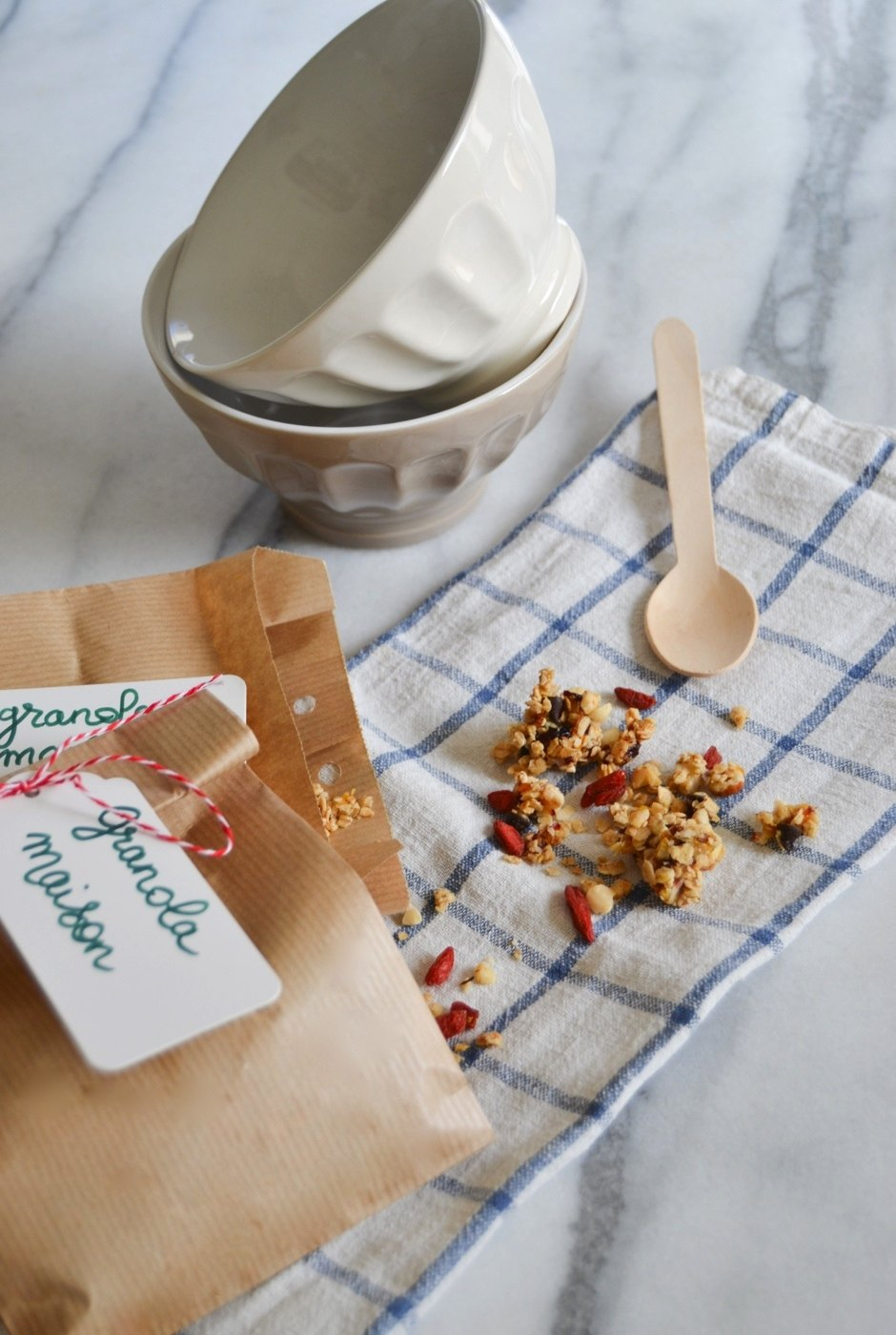 granola maison breakfast