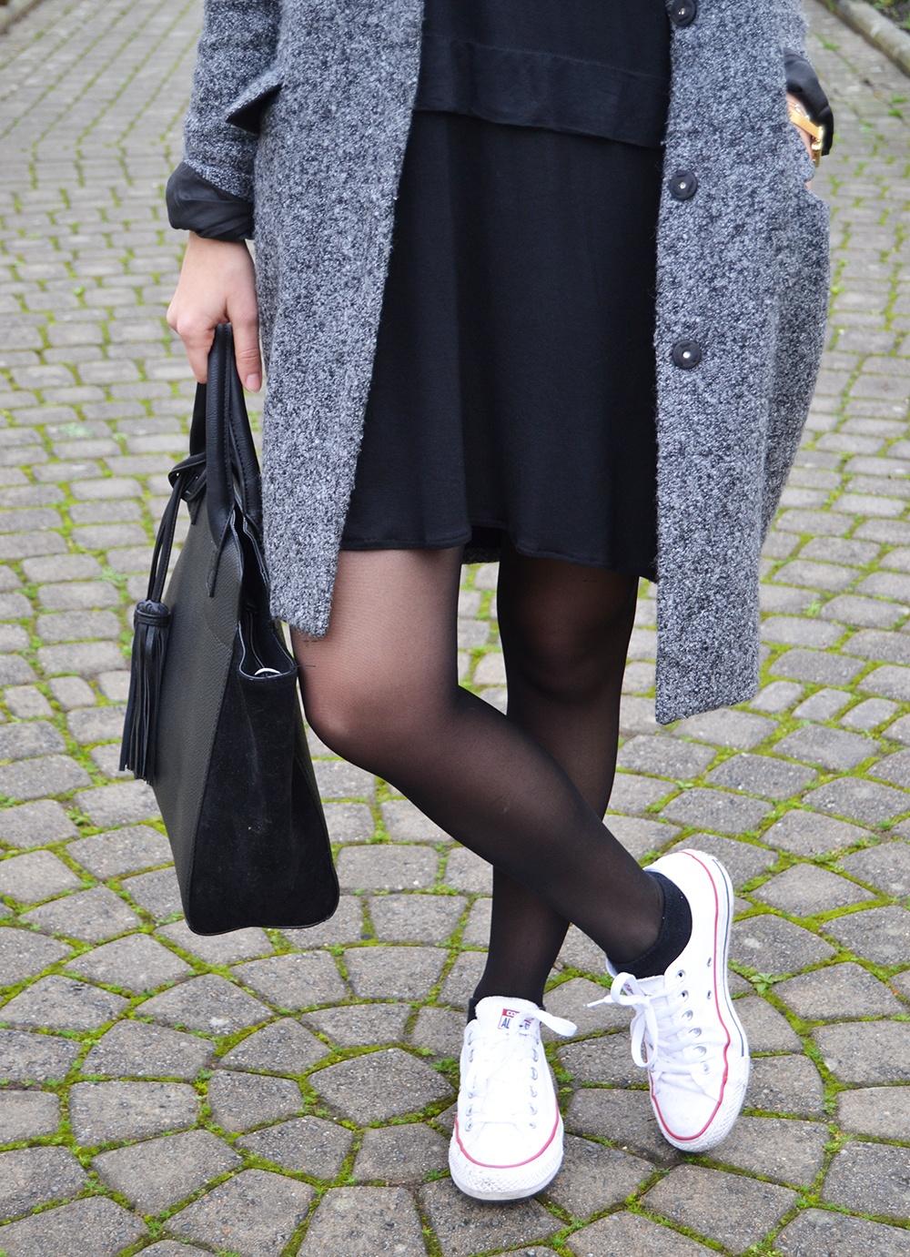 robe-noire-converses-4-1000
