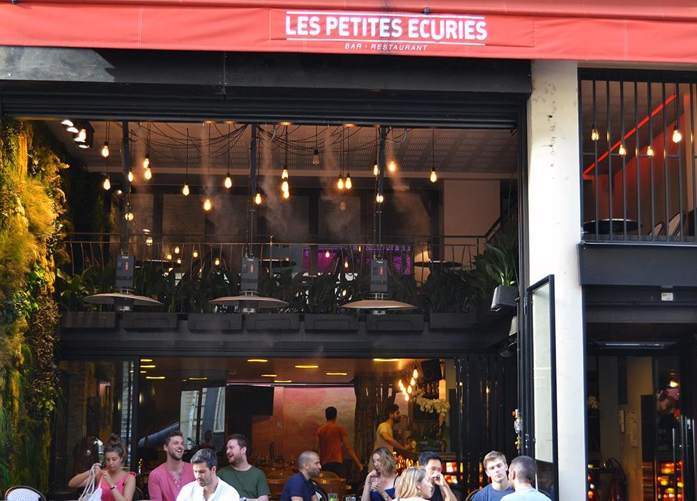 Paris-bar-Les-Petites-Ecuries-1