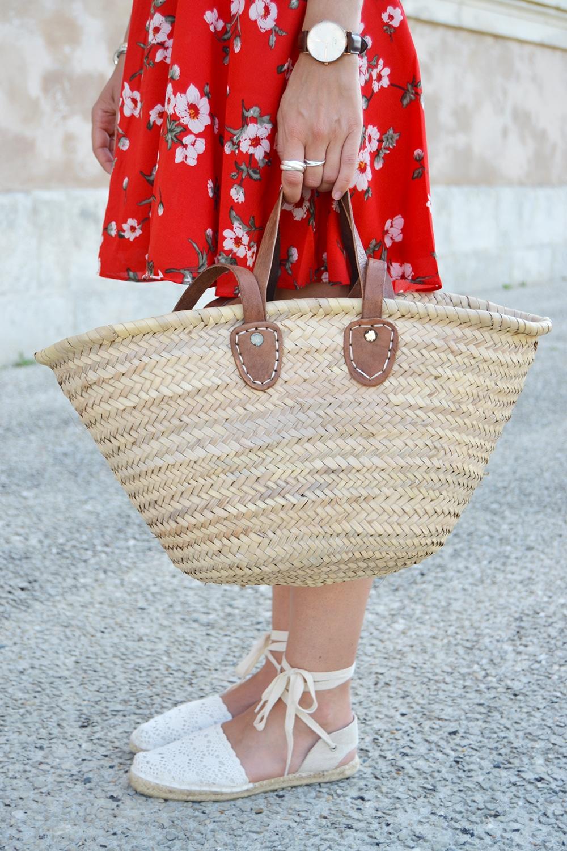 robe rouge fleurs panier osier