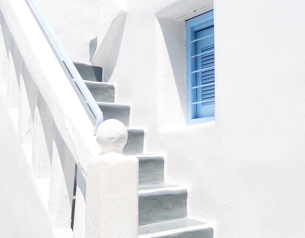 mur blanc mykonos grece
