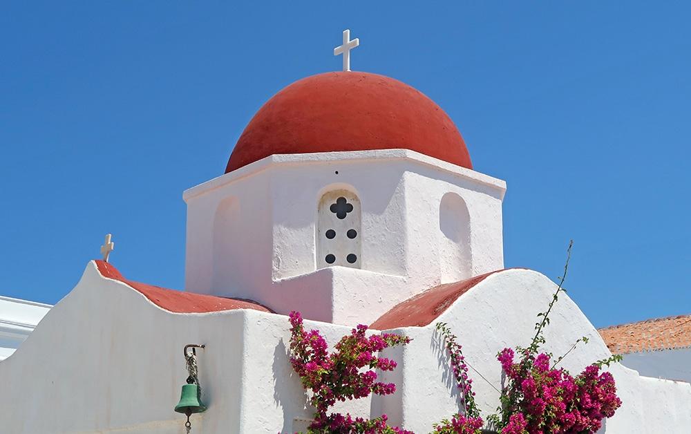 eglise dome rouge grece mykonos