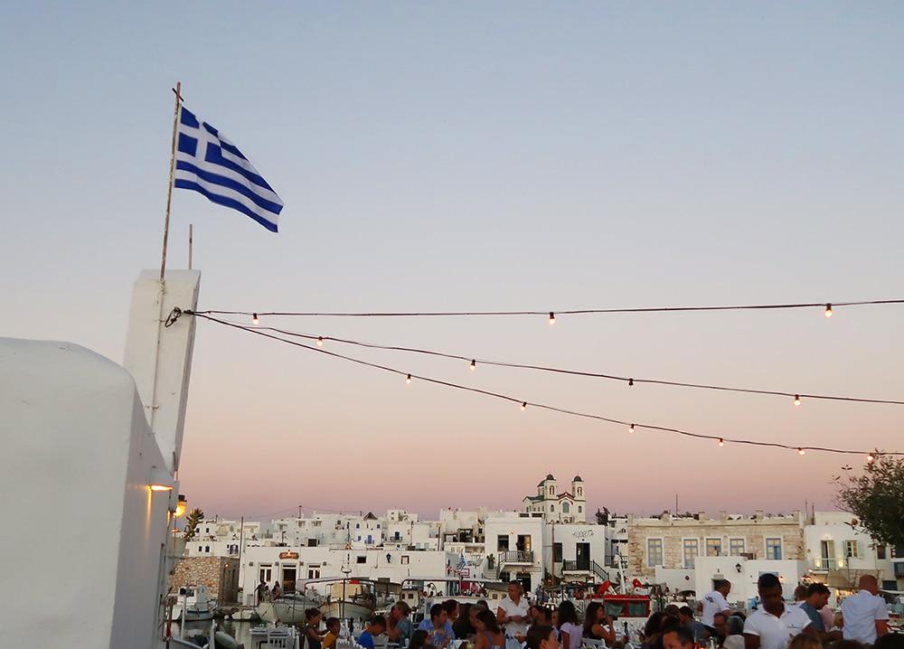 paros port naoussa grece