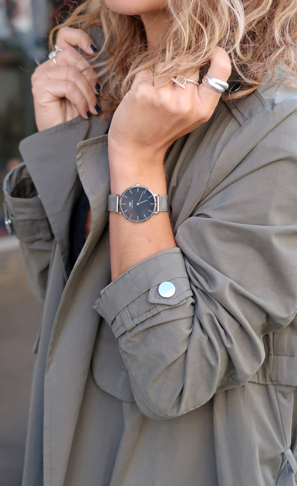trench kaki montre daniel wellington