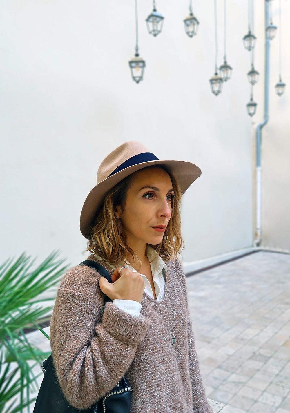 saint hilaire ibis la rochelle chapeau borsalino pull sur chemise