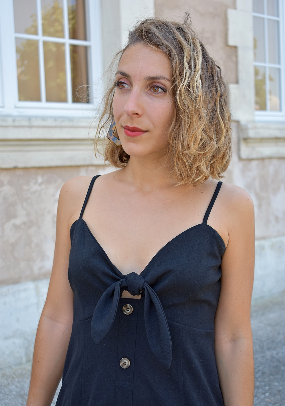 robe noire bouton devant shein