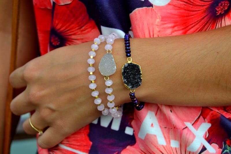 tenue festival surf bijoux gemstone