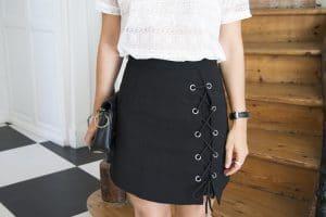 jupe lacage noir top dentelle blanc