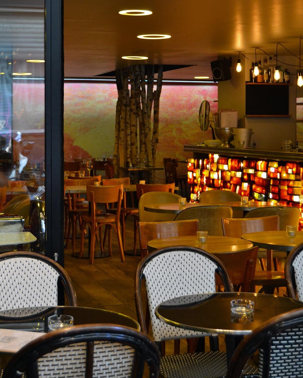Paris-bar-Les-Petites-Ecuries-2