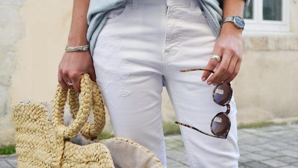 jean blanc broderie panier