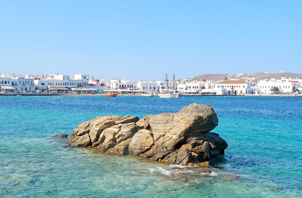 mykonos chora port grece