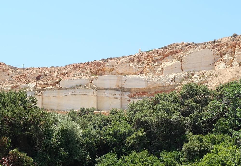 carriere de marbre paros grece