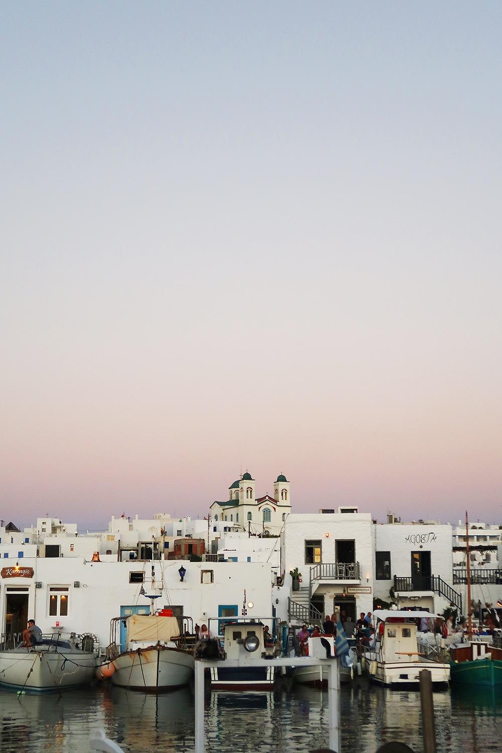 coucher de soleil naoussa paros grece
