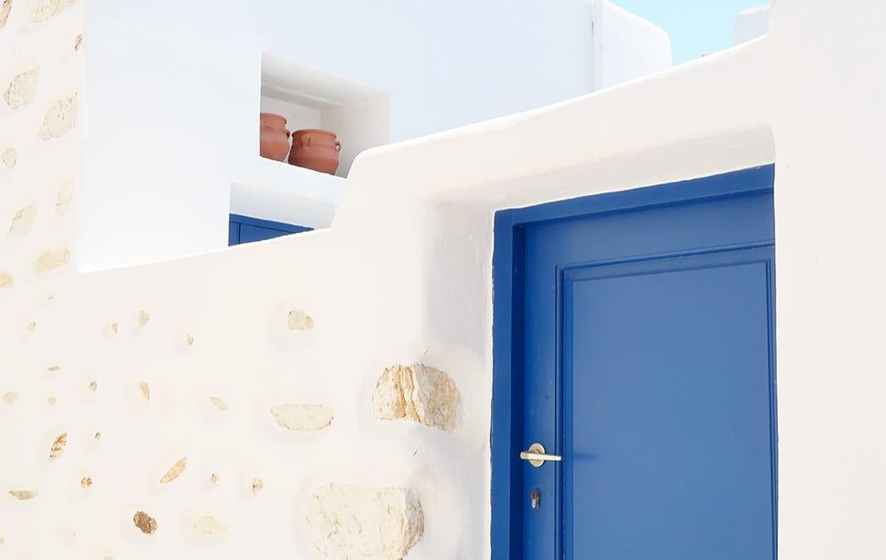 pierre maison bleu grece paros