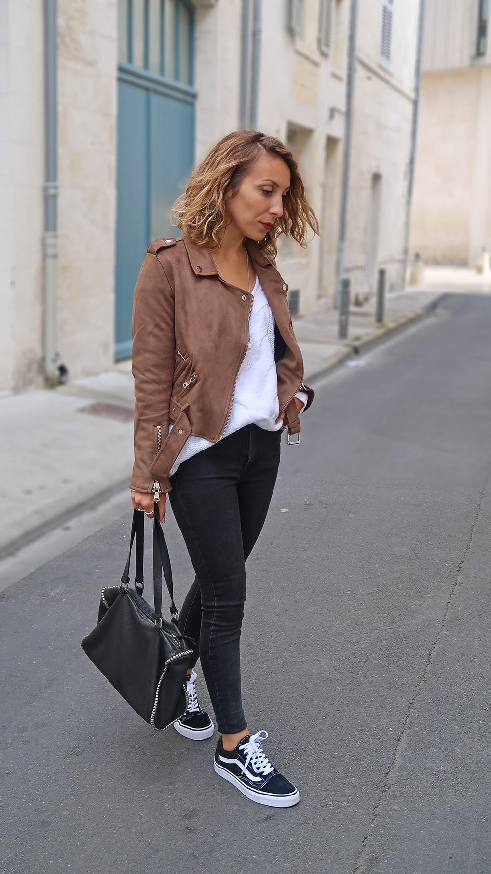 perfecto suedine marron pull blanc tricot