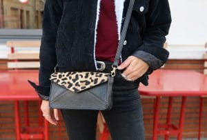 sac leopard veste denim fourrure