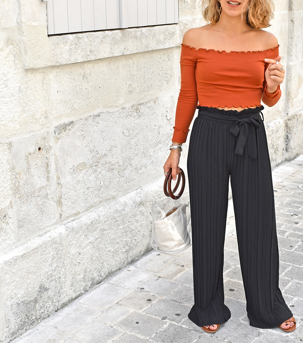 pantalon palazzo noir top bardot rouille pretty little things