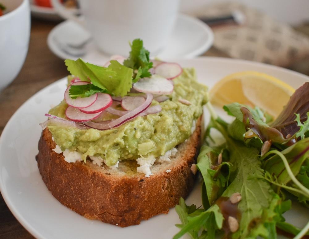 brunch la rochelle palem cafe vegan sans gluten avocado toast pancakes granola