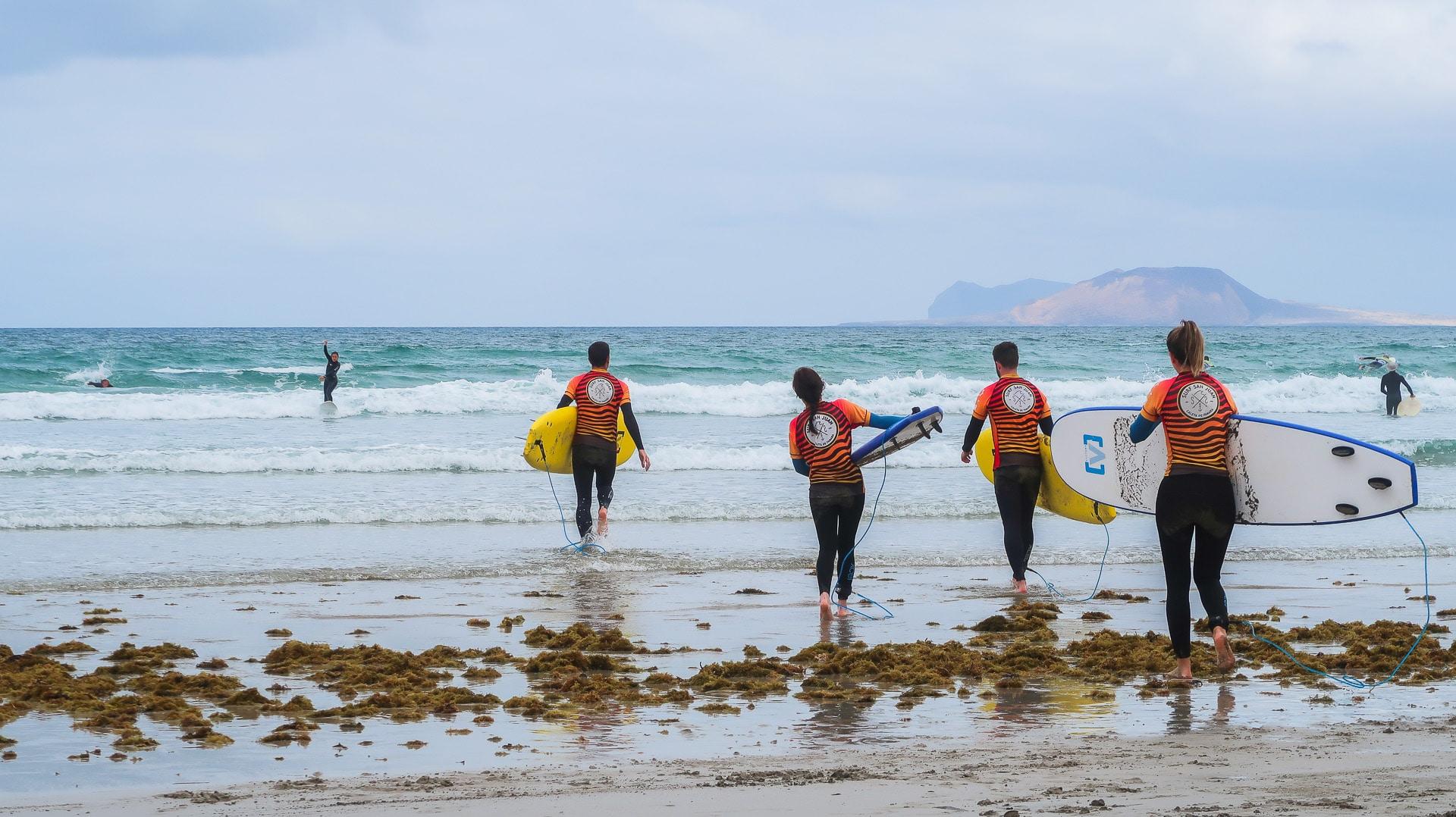 surf plage famara lanzarote